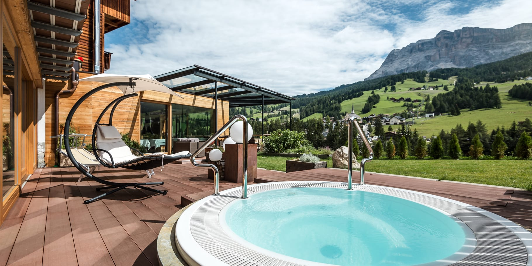 Jacuzzi with panorama view on the Dolomites